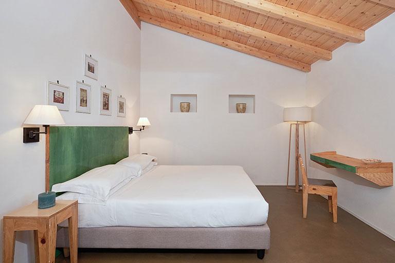 montegusto-castel-del-monte-bed-and-breakfast-04-min